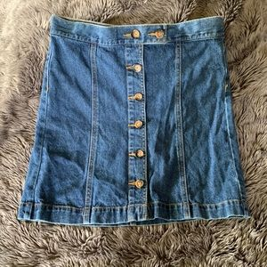 Forever 21 Los Angeles mini button down skirt